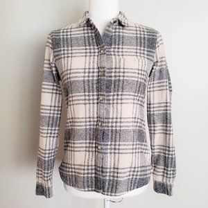 American Eagle Outfitters Slim Fit Button Flannel
